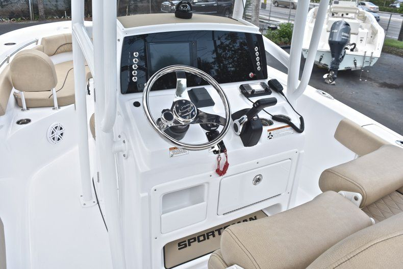 Thumbnail 27 for New 2019 Sportsman Heritage 211 Center Console boat for sale in West Palm Beach, FL