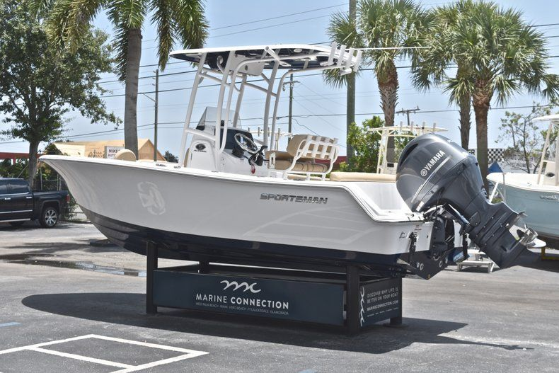 Thumbnail 5 for New 2019 Sportsman Heritage 211 Center Console boat for sale in West Palm Beach, FL