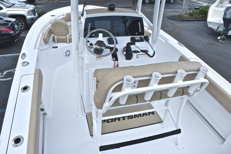 Thumbnail 9 for New 2019 Sportsman Heritage 211 Center Console boat for sale in West Palm Beach, FL