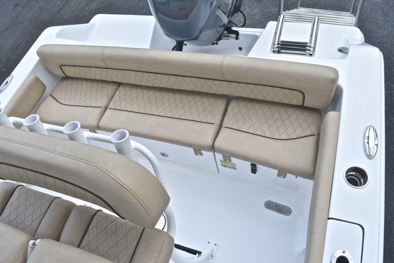 Thumbnail 10 for New 2019 Sportsman Heritage 211 Center Console boat for sale in West Palm Beach, FL