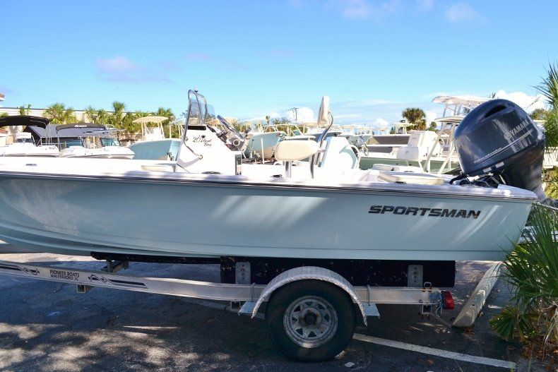 Thumbnail 1 for New 2017 Sportsman 20 Island Bay boat for sale in Vero Beach, FL