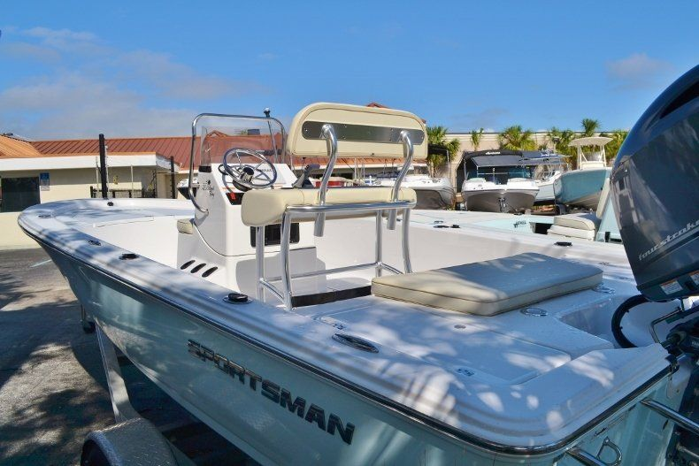 Thumbnail 2 for New 2017 Sportsman 20 Island Bay boat for sale in Vero Beach, FL