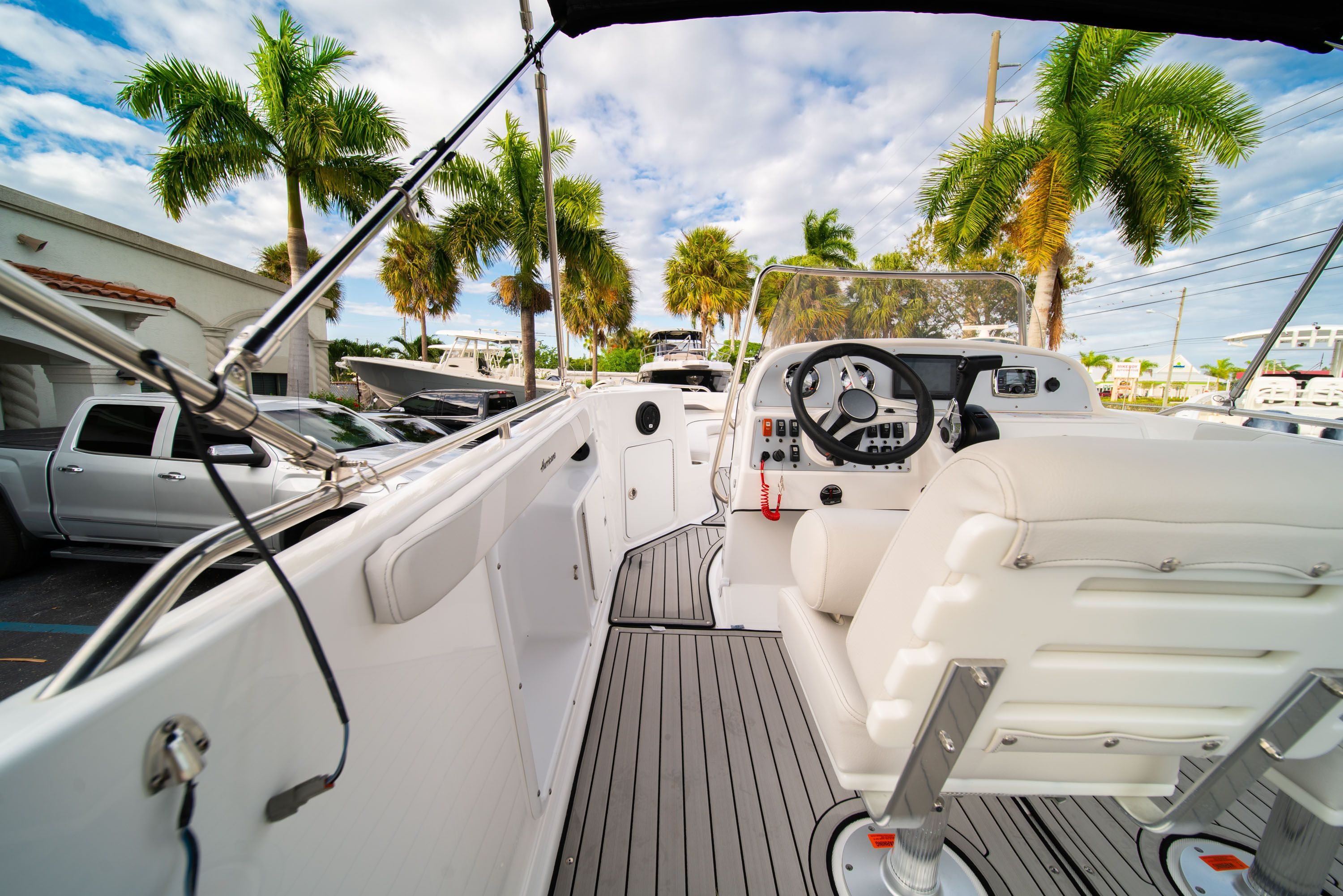 Thumbnail 13 for New 2019 Hurricane Sundeck Sport SS 231 OB boat for sale in West Palm Beach, FL
