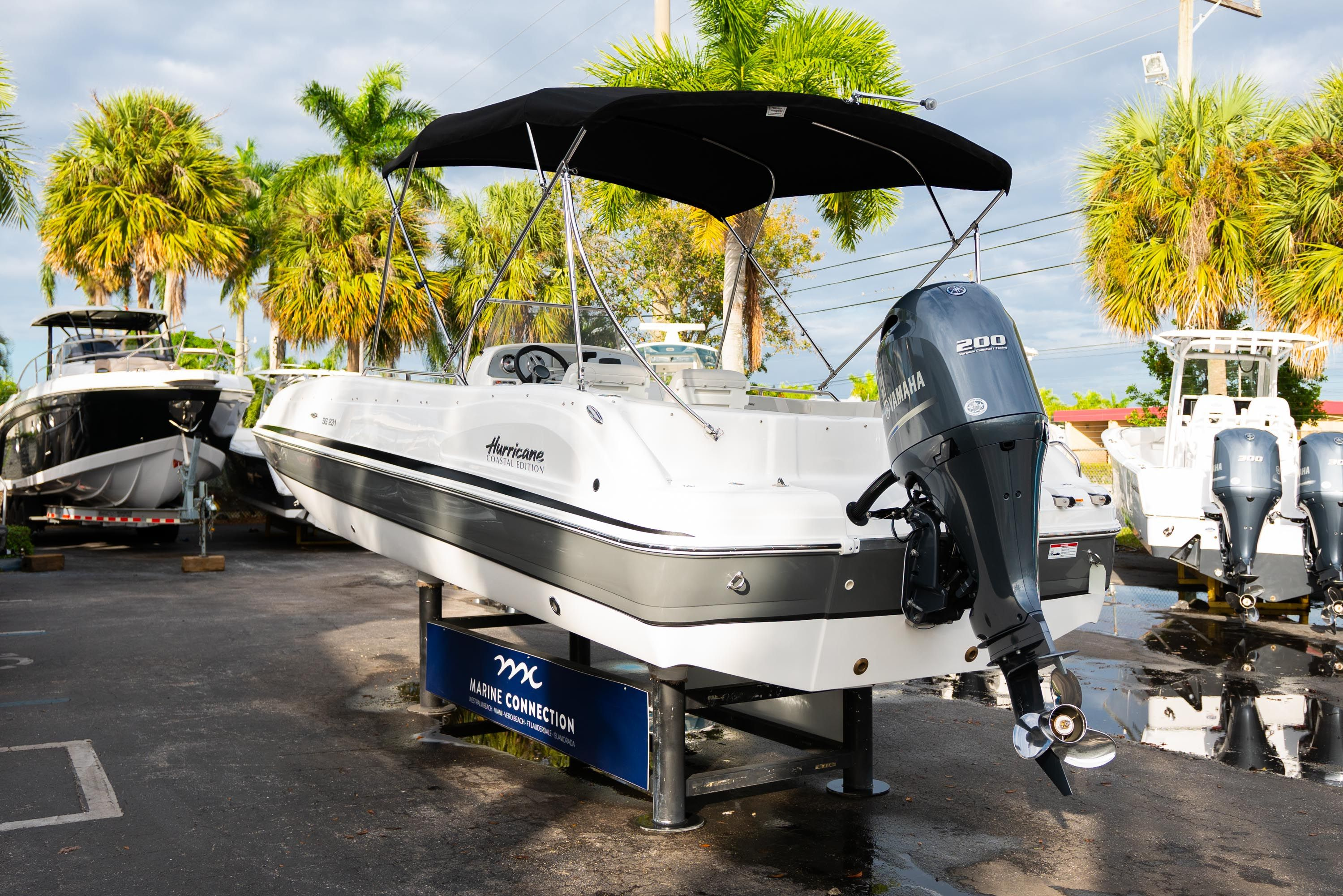 Thumbnail 5 for New 2019 Hurricane Sundeck Sport SS 231 OB boat for sale in West Palm Beach, FL