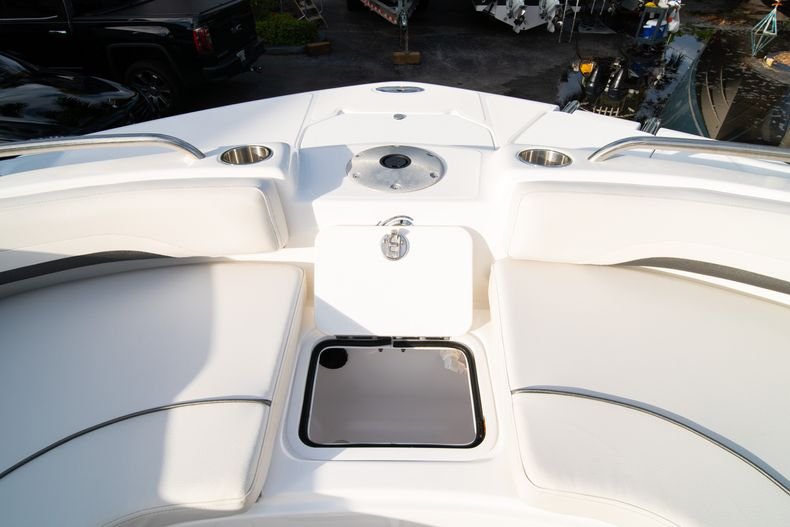Thumbnail 34 for New 2019 Hurricane Sundeck Sport SS 231 OB boat for sale in West Palm Beach, FL