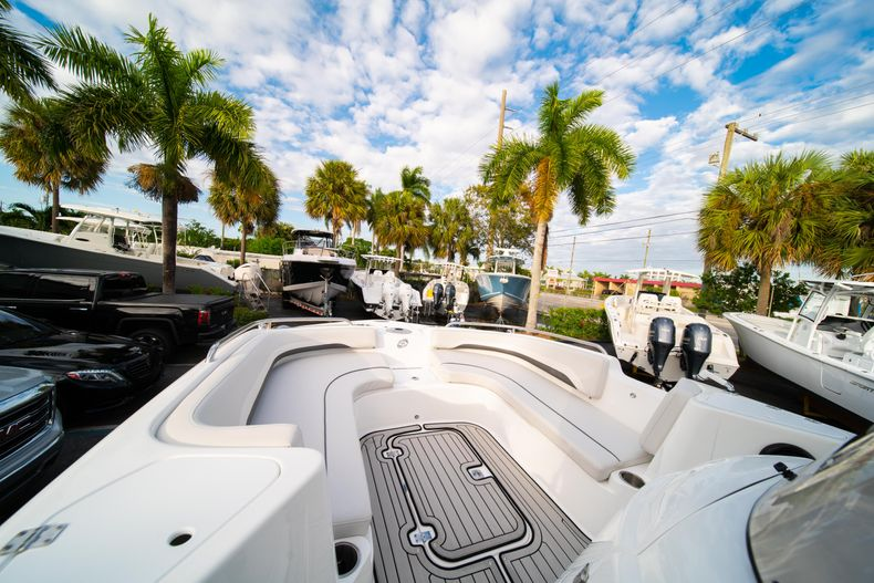 Thumbnail 30 for New 2019 Hurricane Sundeck Sport SS 231 OB boat for sale in West Palm Beach, FL