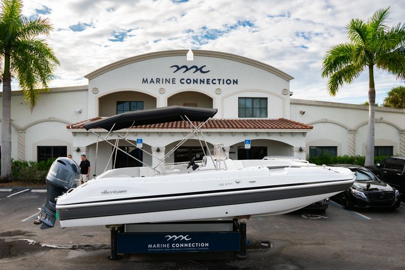 New 2019 Hurricane Sundeck Sport SS 231 OB boat for sale in West Palm Beach, FL