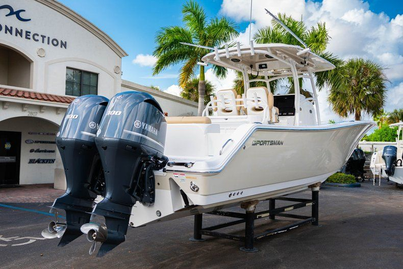 Thumbnail 7 for Used 2016 Sportsman 312 boat for sale in West Palm Beach, FL