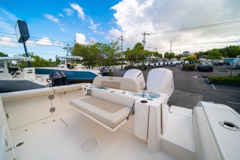 Thumbnail 13 for New 2019 Cobia 301 CC Center Console boat for sale in West Palm Beach, FL