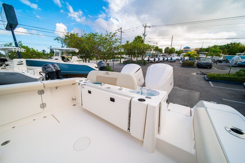 Thumbnail 12 for New 2019 Cobia 301 CC Center Console boat for sale in West Palm Beach, FL