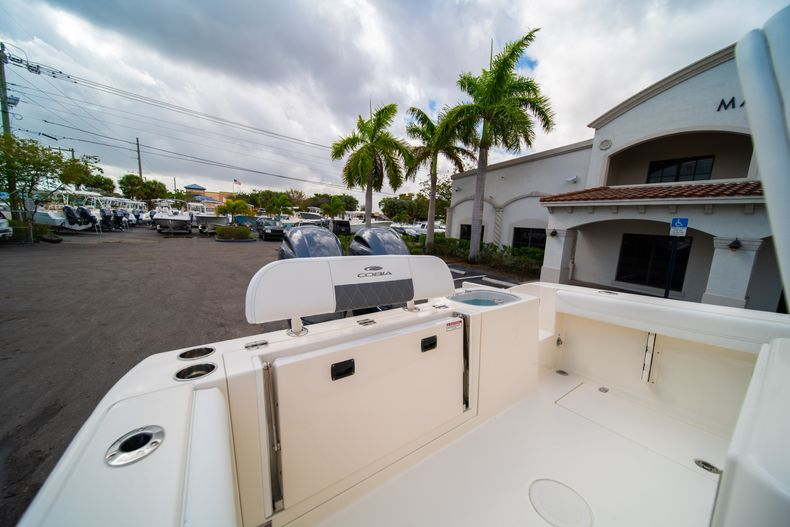 Thumbnail 9 for New 2020 Cobia 240 CC Center Console boat for sale in West Palm Beach, FL