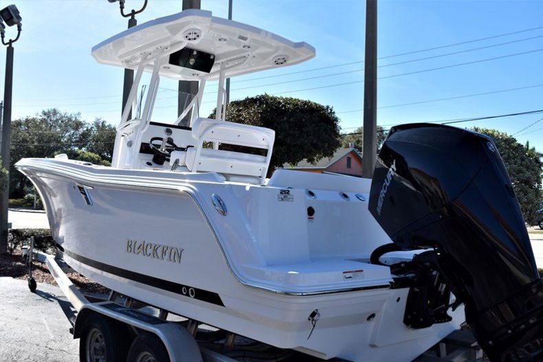 Image 4 for 2020 Blackfin 212CC Center Console in Stuart, FL