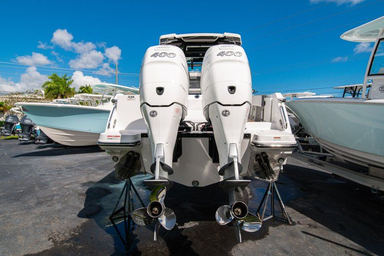 Thumbnail 5 for New 2020 Blackfin 332CC Center Console boat for sale in West Palm Beach, FL