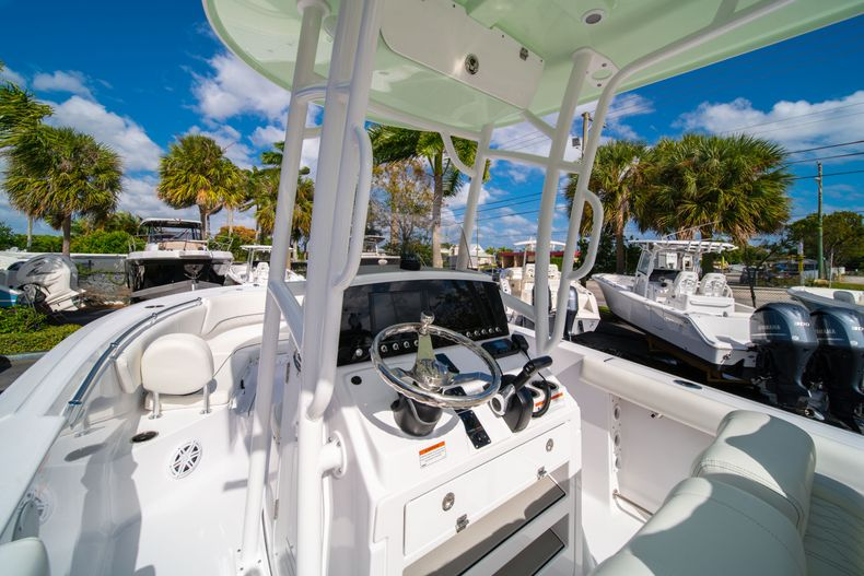Thumbnail 23 for New 2020 Sportsman Heritage 231 Center Console boat for sale in Fort Lauderdale, FL