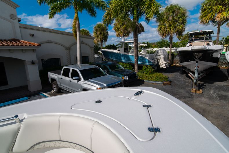 Thumbnail 38 for New 2020 Sportsman Heritage 231 Center Console boat for sale in Fort Lauderdale, FL
