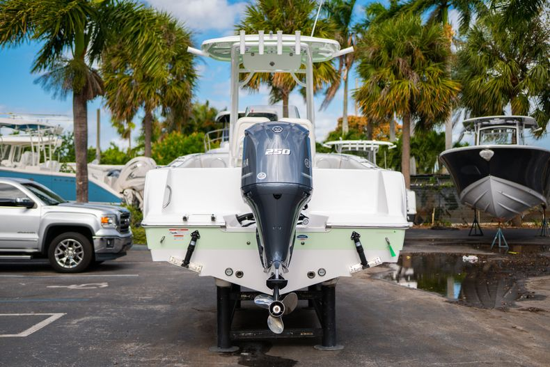 Thumbnail 6 for New 2020 Sportsman Heritage 231 Center Console boat for sale in Fort Lauderdale, FL