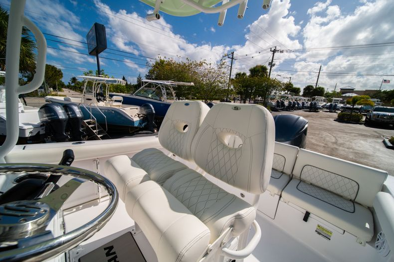 Thumbnail 27 for New 2020 Sportsman Heritage 231 Center Console boat for sale in Fort Lauderdale, FL
