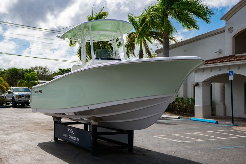 Thumbnail 1 for New 2020 Sportsman Heritage 231 Center Console boat for sale in Fort Lauderdale, FL