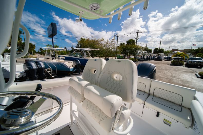 Thumbnail 26 for New 2020 Sportsman Heritage 231 Center Console boat for sale in Fort Lauderdale, FL