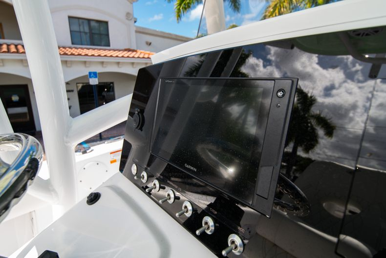 Thumbnail 21 for New 2020 Sportsman Heritage 231 Center Console boat for sale in Fort Lauderdale, FL
