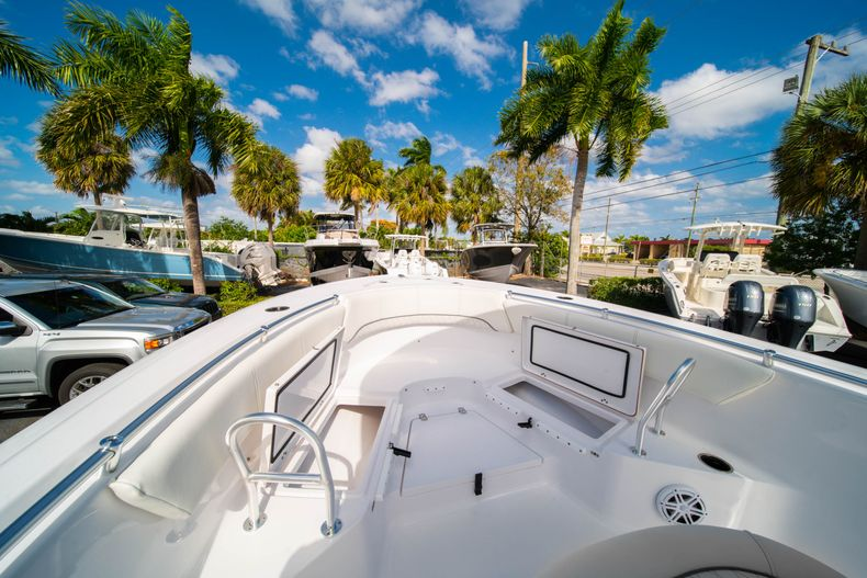 Thumbnail 35 for New 2020 Sportsman Heritage 231 Center Console boat for sale in Fort Lauderdale, FL