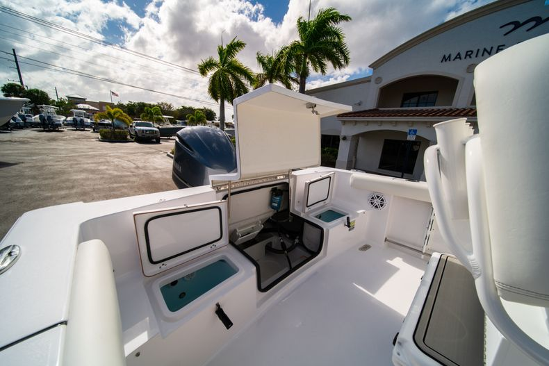 Thumbnail 10 for New 2020 Sportsman Heritage 231 Center Console boat for sale in Fort Lauderdale, FL