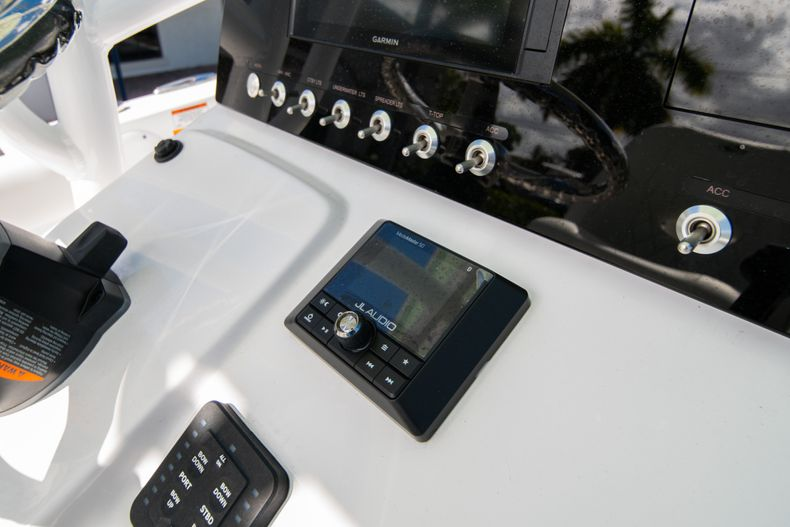 Thumbnail 20 for New 2020 Sportsman Heritage 231 Center Console boat for sale in Fort Lauderdale, FL