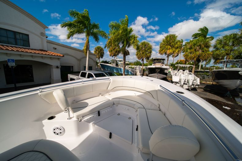 Thumbnail 30 for New 2020 Sportsman Heritage 231 Center Console boat for sale in Fort Lauderdale, FL