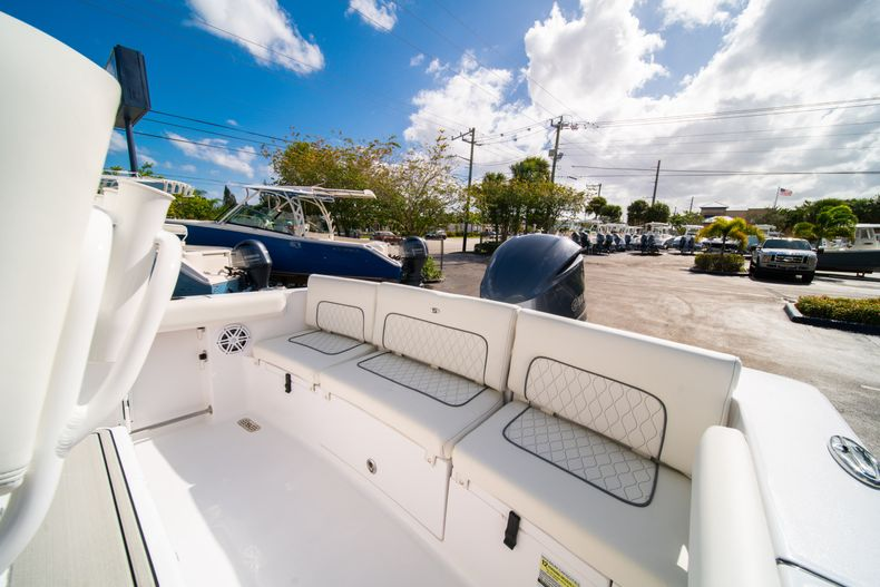 Thumbnail 12 for New 2020 Sportsman Heritage 231 Center Console boat for sale in Fort Lauderdale, FL