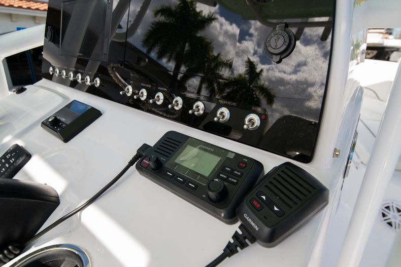 Thumbnail 19 for New 2020 Sportsman Heritage 231 Center Console boat for sale in Fort Lauderdale, FL