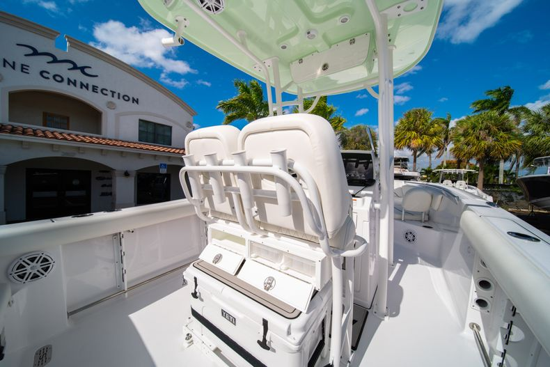 Thumbnail 16 for New 2020 Sportsman Heritage 231 Center Console boat for sale in Fort Lauderdale, FL