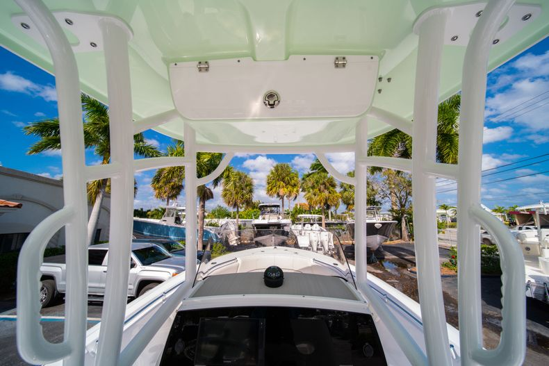 Thumbnail 22 for New 2020 Sportsman Heritage 231 Center Console boat for sale in Fort Lauderdale, FL