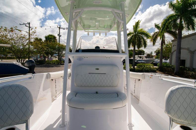 Thumbnail 39 for New 2020 Sportsman Heritage 231 Center Console boat for sale in Fort Lauderdale, FL