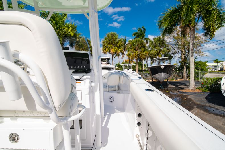 Thumbnail 14 for New 2020 Sportsman Heritage 231 Center Console boat for sale in Fort Lauderdale, FL