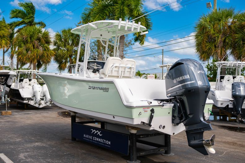 Thumbnail 5 for New 2020 Sportsman Heritage 231 Center Console boat for sale in Fort Lauderdale, FL
