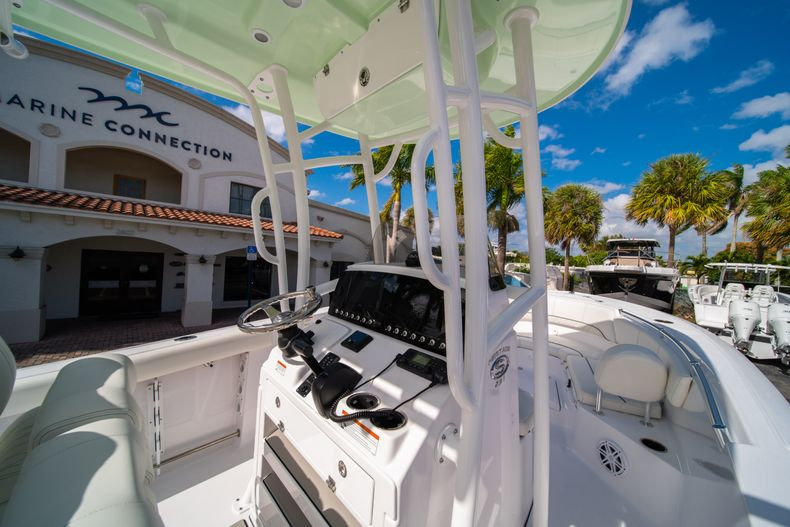 Thumbnail 18 for New 2020 Sportsman Heritage 231 Center Console boat for sale in Fort Lauderdale, FL