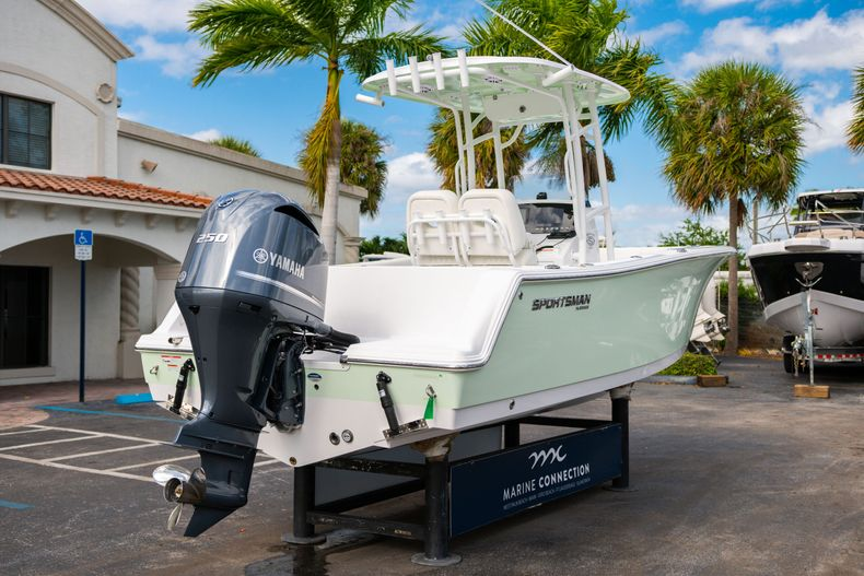 Thumbnail 7 for New 2020 Sportsman Heritage 231 Center Console boat for sale in Fort Lauderdale, FL