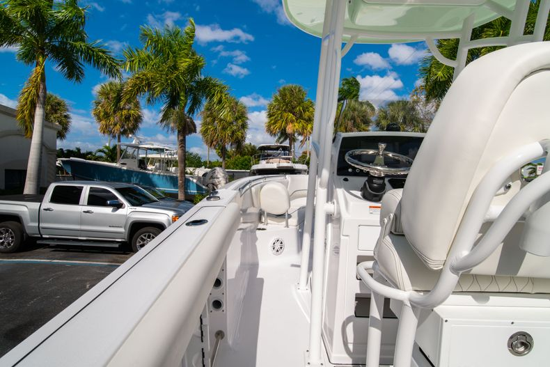 Thumbnail 17 for New 2020 Sportsman Heritage 231 Center Console boat for sale in Fort Lauderdale, FL