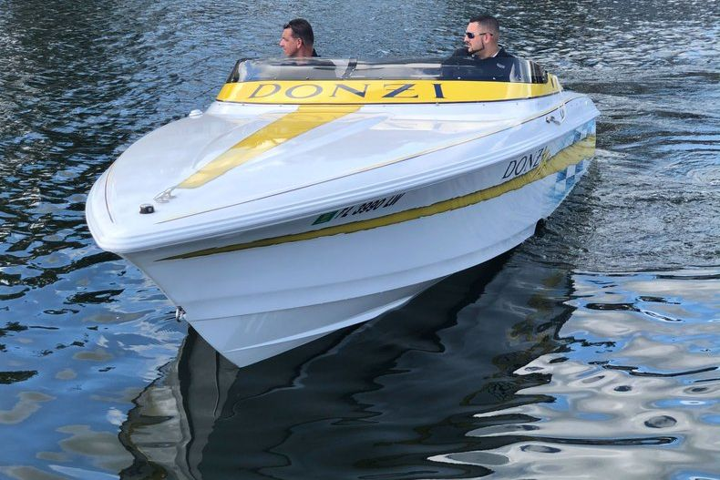 Thumbnail 3 for Used 2002 Donzi 22 ZX boat for sale in Fort Lauderdale, FL