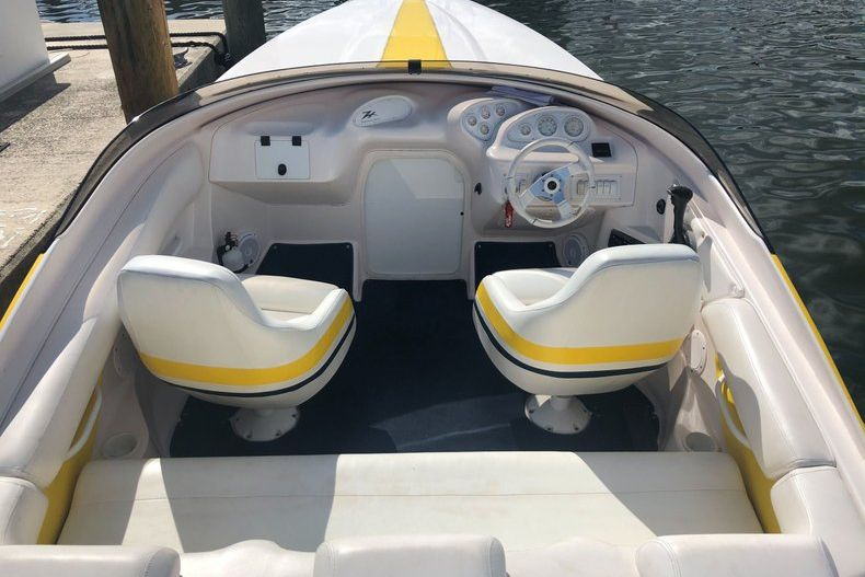 Thumbnail 17 for Used 2002 Donzi 22 ZX boat for sale in Fort Lauderdale, FL