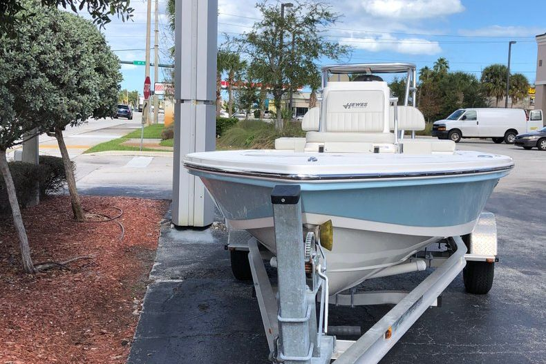 Thumbnail 2 for New 2020 Hewes Redfisher 18 Skiff boat for sale in Vero Beach, FL