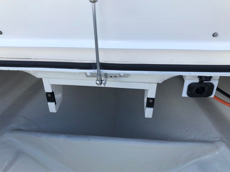 Thumbnail 18 for New 2020 Hewes Redfisher 18 Skiff boat for sale in Vero Beach, FL