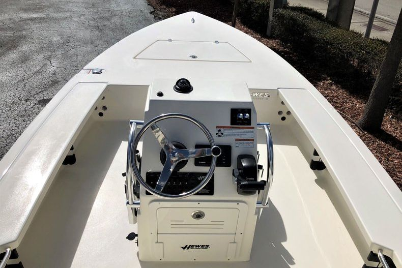 Thumbnail 10 for New 2020 Hewes Redfisher 18 Skiff boat for sale in Vero Beach, FL