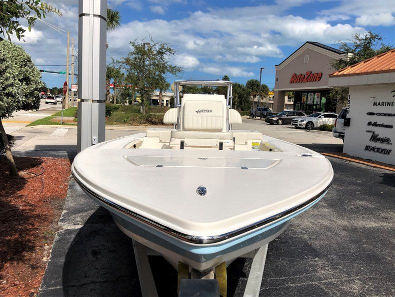 Thumbnail 3 for New 2020 Hewes Redfisher 18 Skiff boat for sale in Vero Beach, FL
