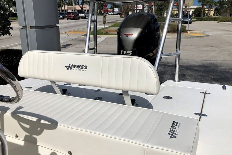 Thumbnail 15 for New 2020 Hewes Redfisher 18 Skiff boat for sale in Vero Beach, FL