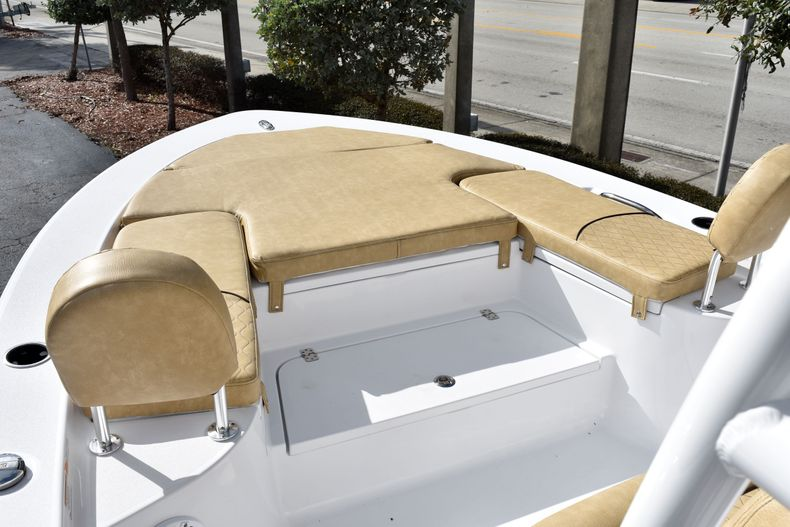 Thumbnail 25 for New 2020 Sportsman Masters 247 Bay Boat boat for sale in West Palm Beach, FL