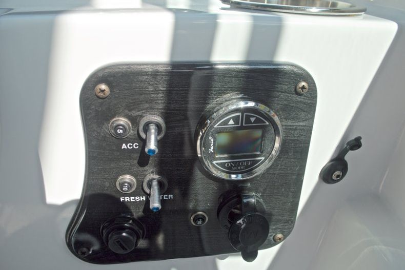 Thumbnail 31 for New 2017 Hurricane SunDeck SD 187 OB boat for sale in West Palm Beach, FL