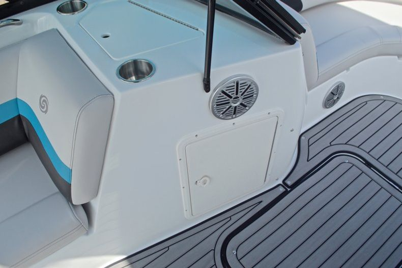 Thumbnail 23 for New 2017 Hurricane SunDeck SD 187 OB boat for sale in West Palm Beach, FL