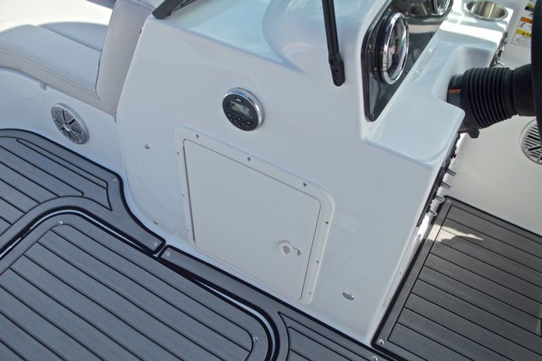 Thumbnail 33 for New 2017 Hurricane SunDeck SD 187 OB boat for sale in West Palm Beach, FL