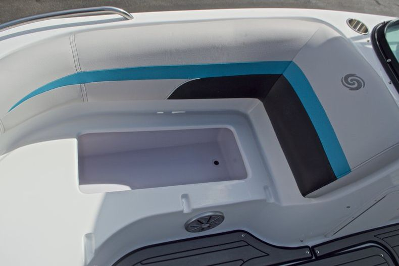 Thumbnail 40 for New 2017 Hurricane SunDeck SD 187 OB boat for sale in West Palm Beach, FL